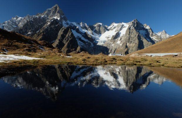 rifugio bonatti alpeggio autunno