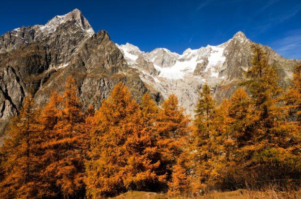 rifugio bonatti salita autunno