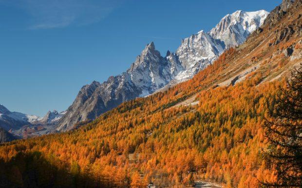 rifugio bonatti sentiero autunno