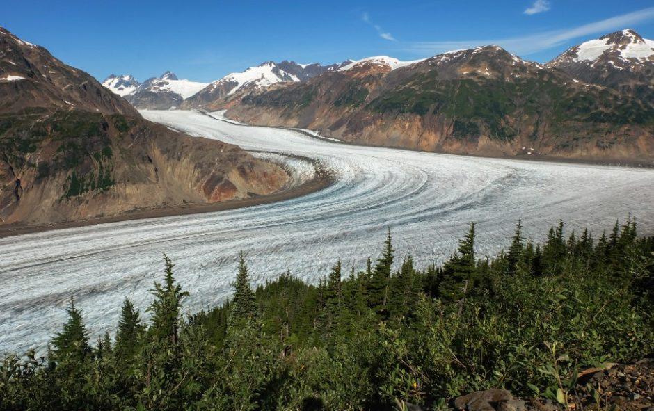 Viaggio sul confine tra Canada e Alaska: il Salmon Glacier