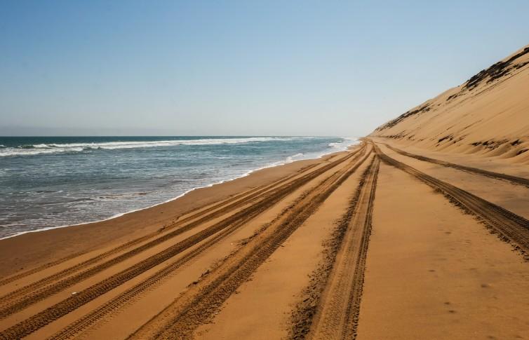 sandwich harbour spiaggia namibia