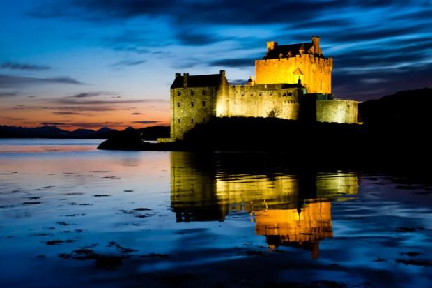 Scozia Eilean Donan notte