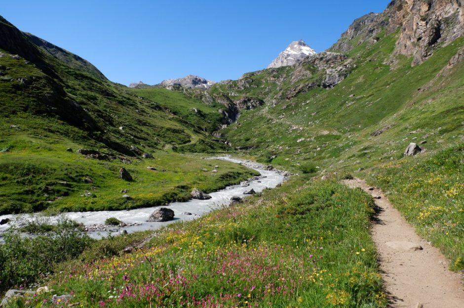 sentiero escursione val di rhemes rifugio benevolo lago di goletta