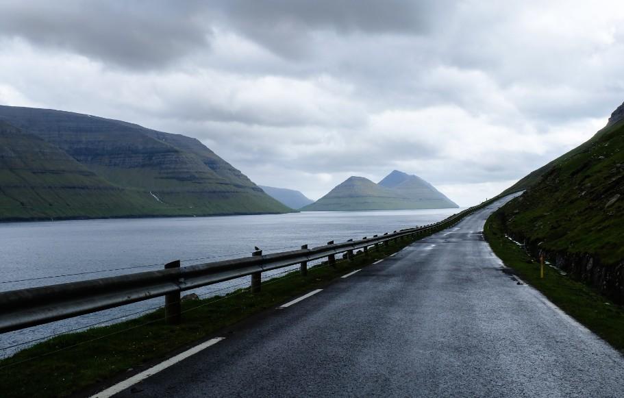 strada isola kalsoy