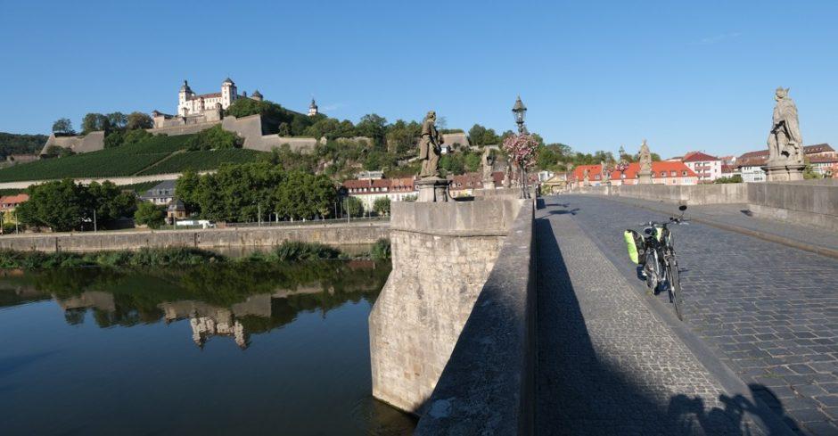 strada romantica bicicletta baviera tappa Tauberbischofsheim wurzburg ponte sul Meno