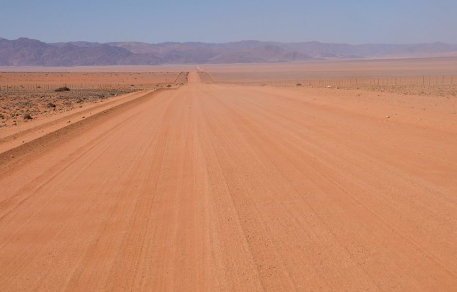 strada sabbia viaggio namibia