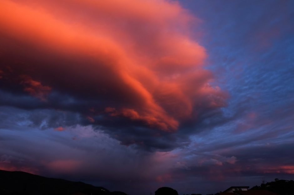 tramonto isola elba nuvola temporale