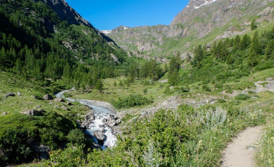 trekking escursione val di rhemes rifugio benevolo lago di goletta