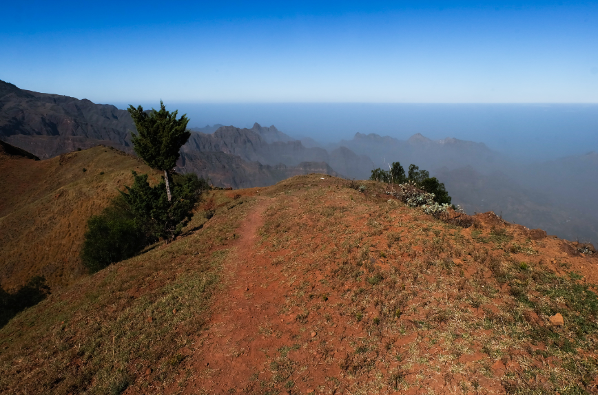 trekking espongeiro coculi santo antao panorama montagne oceano