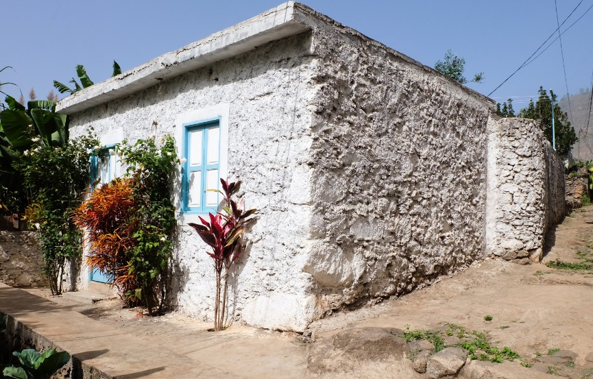 trekking espongeiro coculi santo antao villaggio