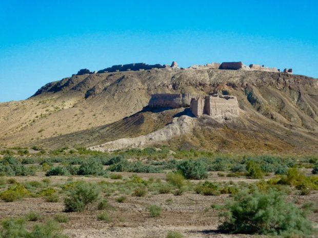 uzbekistan deserto castello