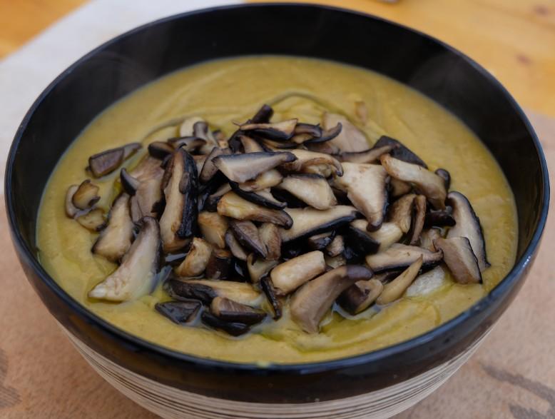 ricetta vellutata zucca funghi peperoncino spezie