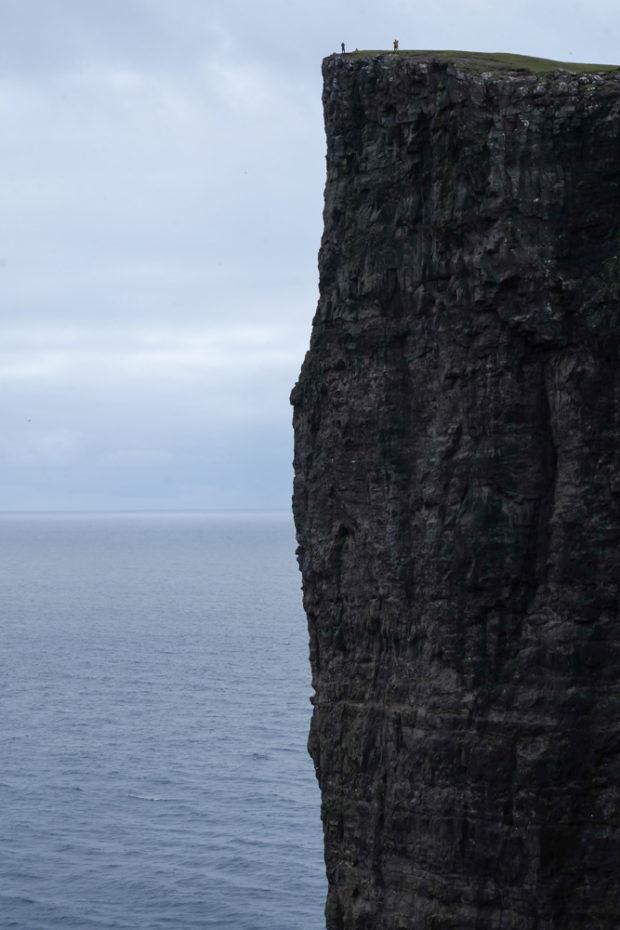 viaggio alle isole faroe diario scogliera