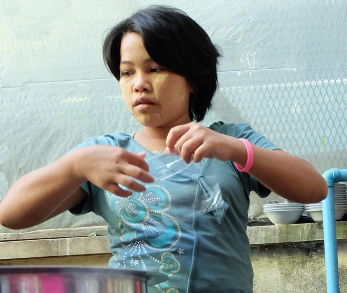 viaggio in Birmania, donna