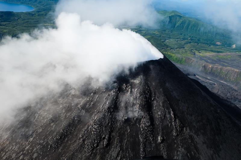 viaggio in Kamchatka vulcano fumante