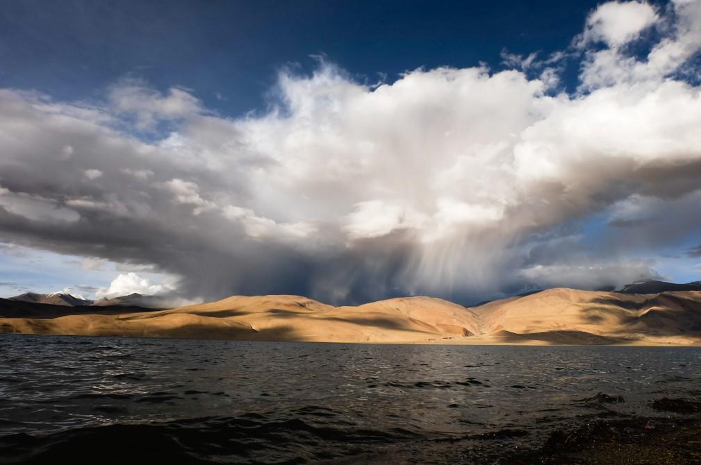 viaggio in Ladakh tso moriri nuvola