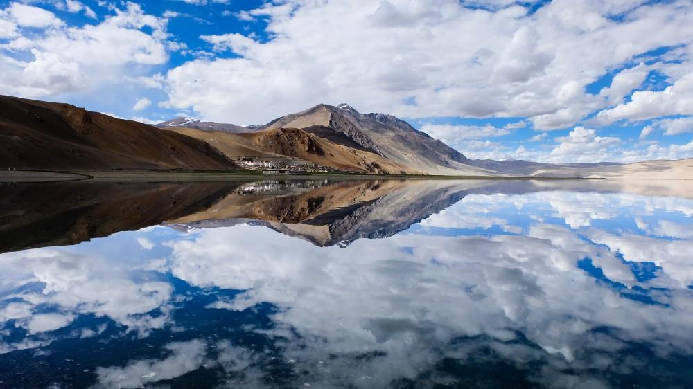 viaggio in ladakh riflessi tsomoriri