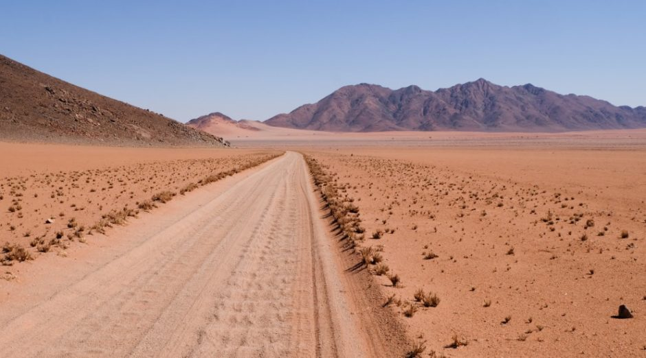 viaggio namibia pista sabbia