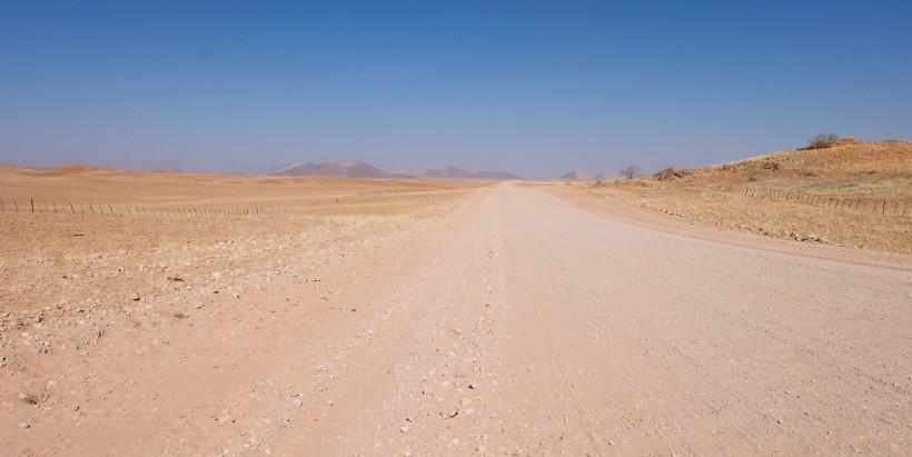 viaggio sulla strada namibia